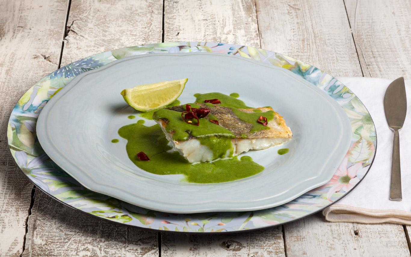 fogonero con salsa de curry verde